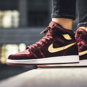 Jordan 1 Retro Heiress Night Maroon